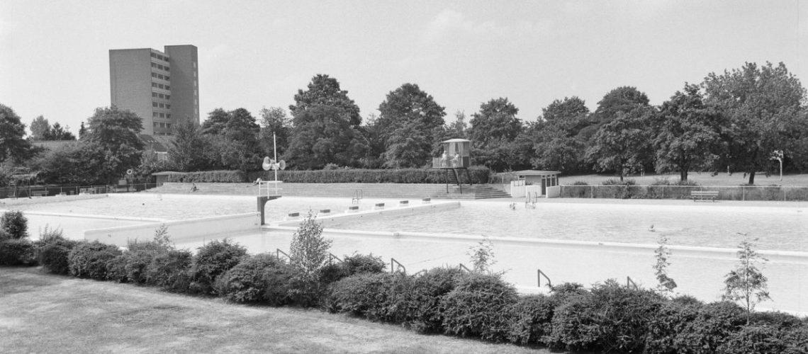 Openluchtzwembad